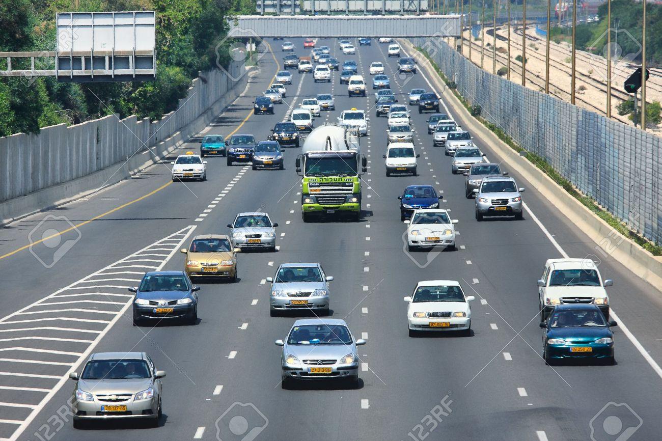 failure to maintain lane